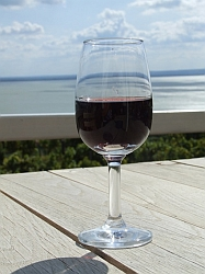 wine-tasting-holiday